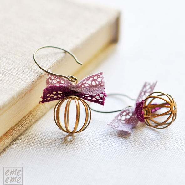 Romantic cages earrings with pink and purple lace bows